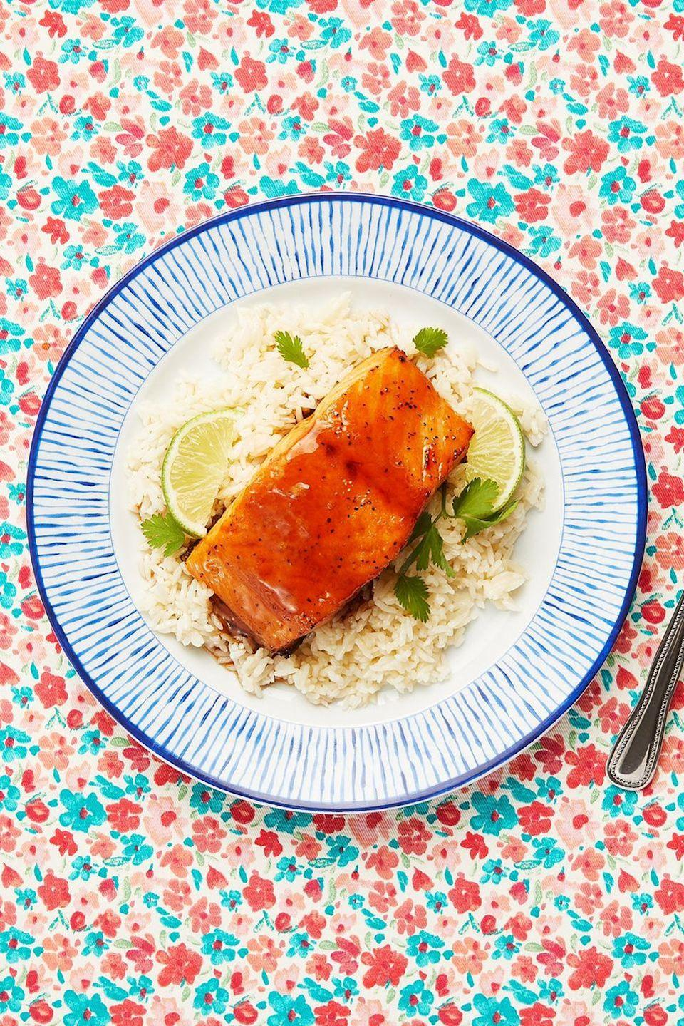 """<p>If you're in the market for an easy, reliable salmon recipe to make again and again, look no further. Ree's go-to method involves pan-frying the fish, then using the same skillet to make a sticky, flavorful glaze. The whole process takes just 15 minutes!</p><p><a href=""""https://www.thepioneerwoman.com/food-cooking/recipes/a86550/honey-soy-salmon/"""" rel=""""nofollow noopener"""" target=""""_blank"""" data-ylk=""""slk:Get Ree's recipe."""" class=""""link rapid-noclick-resp""""><strong>Get Ree's recipe.</strong></a></p><p><a class=""""link rapid-noclick-resp"""" href=""""https://go.redirectingat.com?id=74968X1596630&url=https%3A%2F%2Fwww.walmart.com%2Fbrowse%2Fhome%2Fskillets-frying-pans%2F4044_623679_8140341_1675139&sref=https%3A%2F%2Fwww.thepioneerwoman.com%2Ffood-cooking%2Fmeals-menus%2Fg37023193%2Fsalmon-recipes%2F"""" rel=""""nofollow noopener"""" target=""""_blank"""" data-ylk=""""slk:SHOP SKILLETS"""">SHOP SKILLETS</a></p>"""