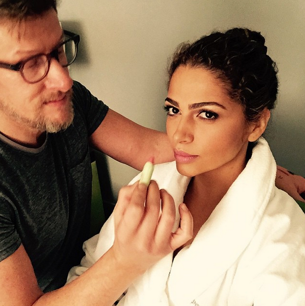 """According to Camilla Alves's makeup artist, Matthew Vanleeuwen, Matthew McConaughey's wife was """"a dream to make up and the sweetest person on the planet!"""" She sported the no makeup-makeup look. @makeupmatthew/Instagram"""