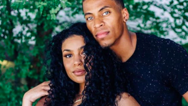 Take your eye off of singer Jordin Sparks for one second, and she gets secretly married and pregnant.