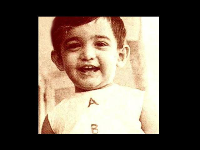 2. This cute little thing is 'Mr. Perfectionist' Aamir Khan with his perfect little smile during his childhood. Born on 14th March, 1965, Aamir comes from a family of film-makers and politicians. This Bollywood celebrity is a descendant of freedom fighter Abdul Kalam Azad and former president Dr. Zakir Hussain.