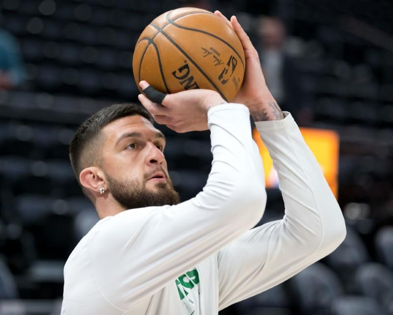 NBA: Celtics' Poirier joins Floyd protests with team mates
