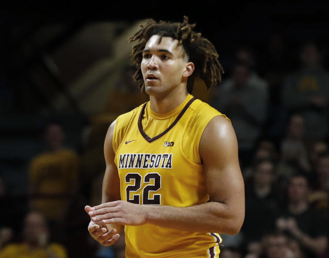 "Minnesota center <a class=""link rapid-noclick-resp"" href=""/ncaab/players/120900/"" data-ylk=""slk:Reggie Lynch"">Reggie Lynch</a> faces suspension over an alleged violation of the school's sexual misconduct policy. (AP Photo/Jim Mone, File)"