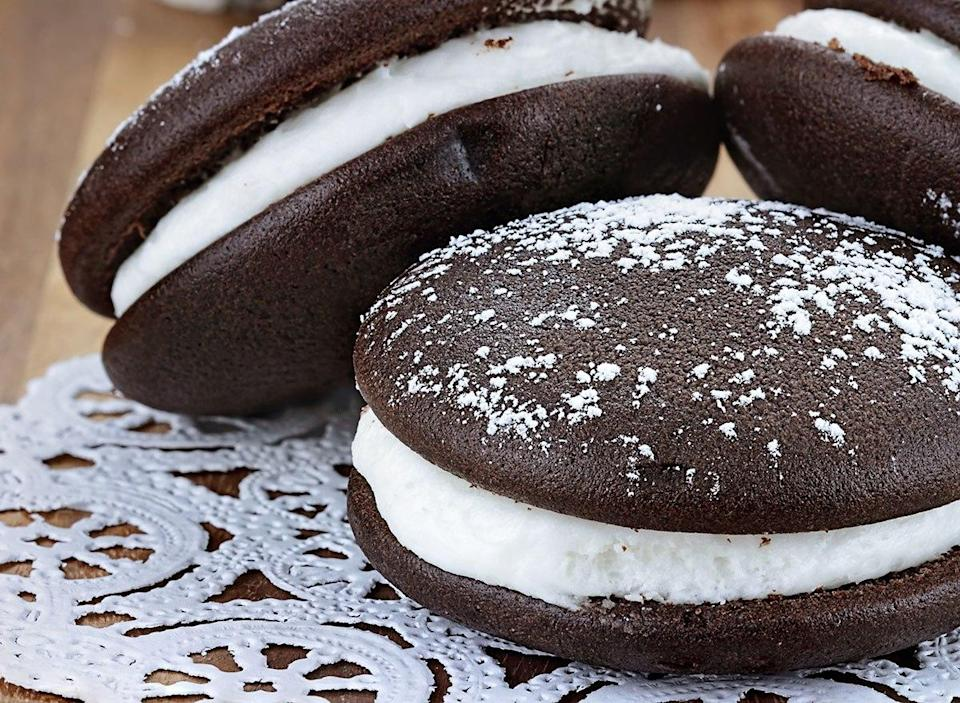 whoopie pies on doily