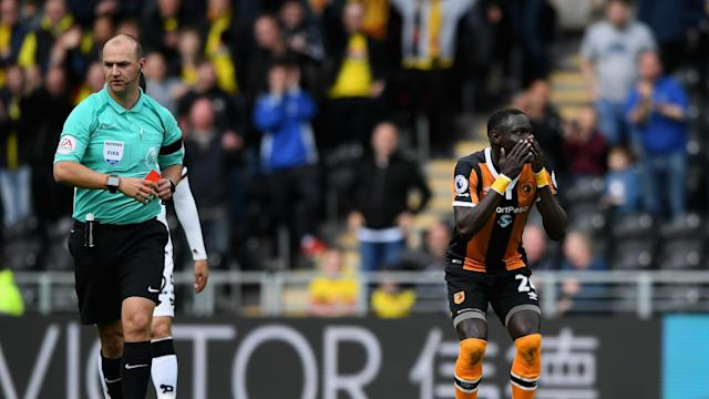 Hull City can select Oumar Niasse against Southampton in the Premier League on Saturday after the striker's harsh red card was rescinded.