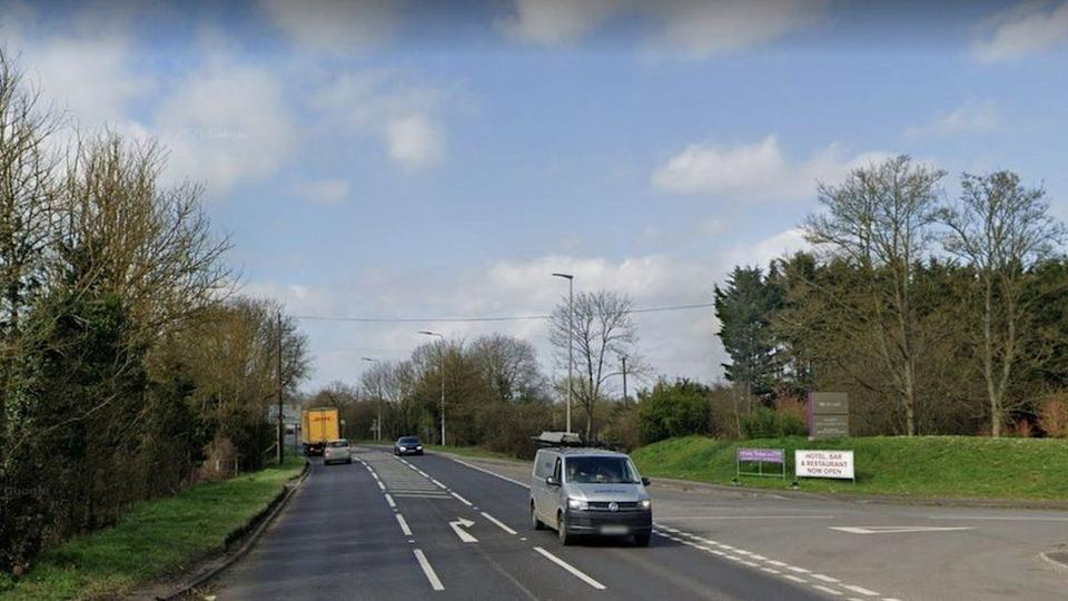 The woman motorist was attacked on the A4 in Thatcham, Berkshire. (Google)