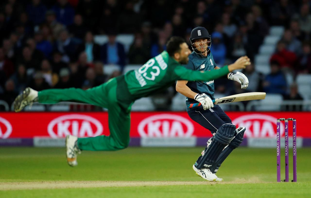 Cricket - Fourth One Day International - England v Pakistan - Trent Bridge, Nottingham, Britain - May 17, 2019   England's Joe Denly is caught by Pakistan's Junaid Khan   Action Images via Reuters/Andrew Boyers         TPX IMAGES OF THE DAY