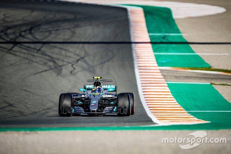 """Valentino Rossi, Mercedes-AMG F1 W08<span class=""""copyright"""">Monster Energy</span>"""
