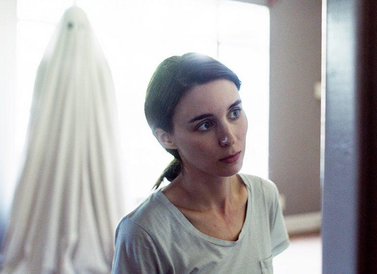 A GHOST STORY, Rooney Mara, 2017. (Photo: A24)