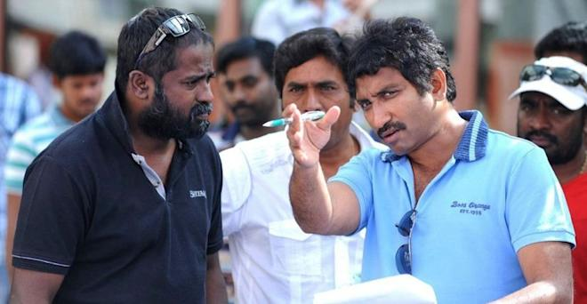 KV Guhan with Srinu Vaitla on Mister set