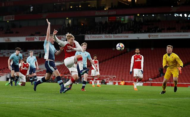 Soccer Football - FA Youth Cup Semi Final Second Leg - Arsenal vs Blackpool - Emirates Stadium, London, Britain - April 16, 2018 Arsenal's Matthew Smith scores their fifth goal Action Images/Matthew Childs