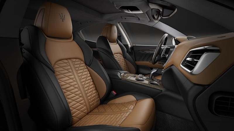 Interior of Maserati Ghibli with Edizione Nobile package