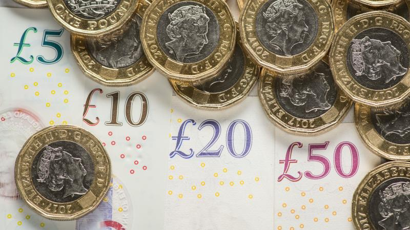Pound hit as no-deal Brexit fears ramp up