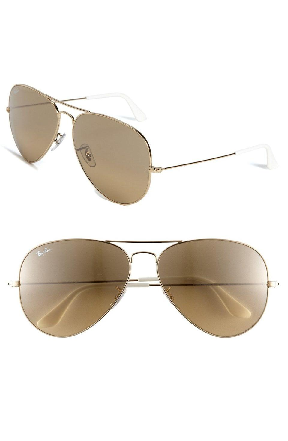"""<p><strong>RAY-BAN</strong></p><p>nordstrom.com</p><p><strong>$179.00</strong></p><p><a href=""""https://go.redirectingat.com?id=74968X1596630&url=https%3A%2F%2Fshop.nordstrom.com%2Fs%2Fray-ban-large-original-62mm-aviator-sunglasses%2F3249199&sref=https%3A%2F%2Fwww.townandcountrymag.com%2Fleisure%2Fg26946158%2Fbest-nanny-gifts%2F"""" rel=""""nofollow noopener"""" target=""""_blank"""" data-ylk=""""slk:Shop Now"""" class=""""link rapid-noclick-resp"""">Shop Now</a></p><p>You can never go wrong with a classic style like Ray-Ban's Aviators.</p>"""