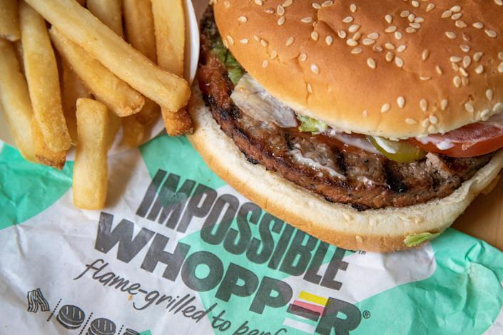 """Burger King's Impossible Whopper contains <a href=""""https://www.fatsecret.com/calories-nutrition/burger-king/impossible-whopper"""" rel=""""nofollow noopener"""" target=""""_blank"""" data-ylk=""""slk:25 grams of protein"""" class=""""link rapid-noclick-resp"""">25 grams of protein</a>. (Photo: Drew Angerer via Getty Images)"""