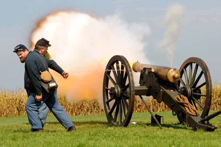Reenactment of The Battle of Antietam, the bloodiest one-day battle in American history (EPA)