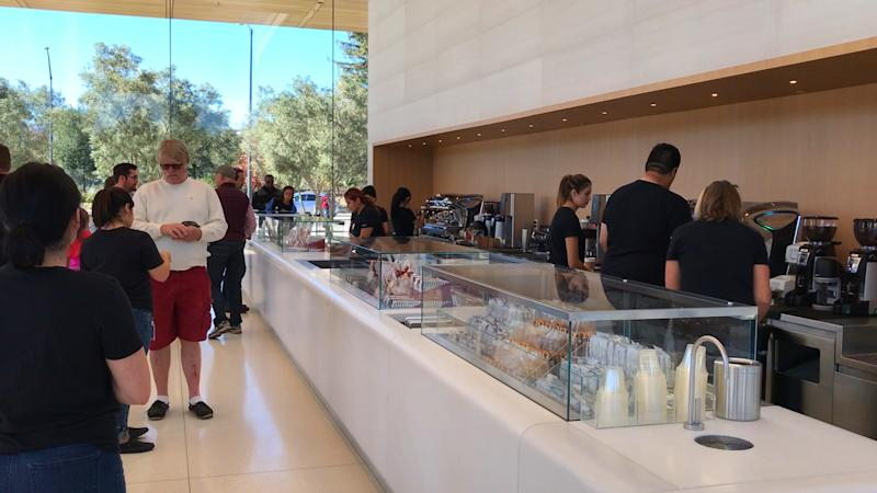 Apple's new visitor center is now open to the public and dishing out some exclusive swag
