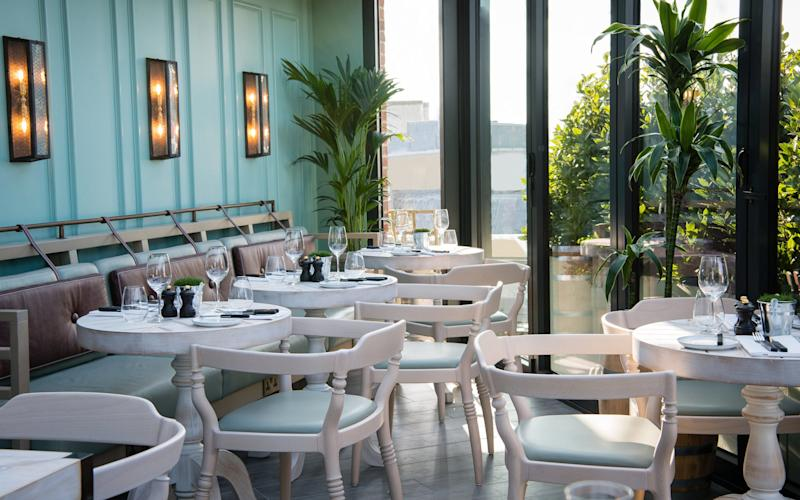 Despite its teething issues, Vintry & Mercer is a fashionable and fun new hotel near St Paul's with a clever design, exceptional seafood restaurant and buzzing rooftop bar