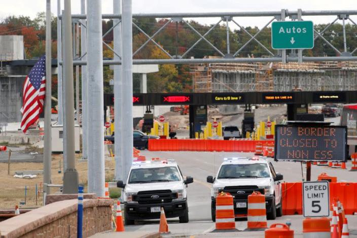FILE PHOTO: The Canada-United States border crossing in Lansdowne