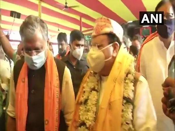 BJP chief visited Mahavir temple to offer prayer and seek blessings ahead of his first election rally. [Photo/ANI]