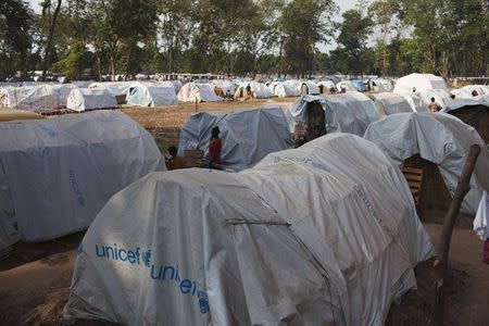 Tents for displaced people are seen on the grounds of Saint Antoine de Padoue cathedral in Bossangoa, Central African Republic in this November 25, 2013 file photo. REUTERS/Joe Penney/Files