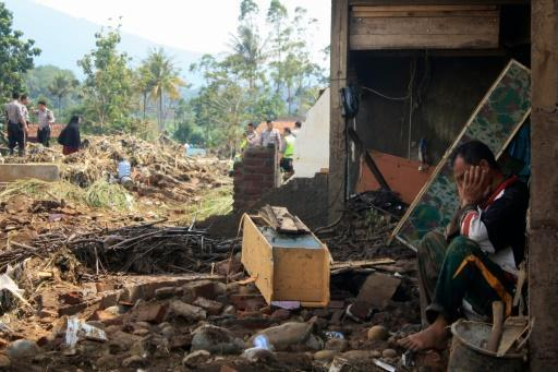 26 dead, 19 missing in Indonesian landslides, floods: official