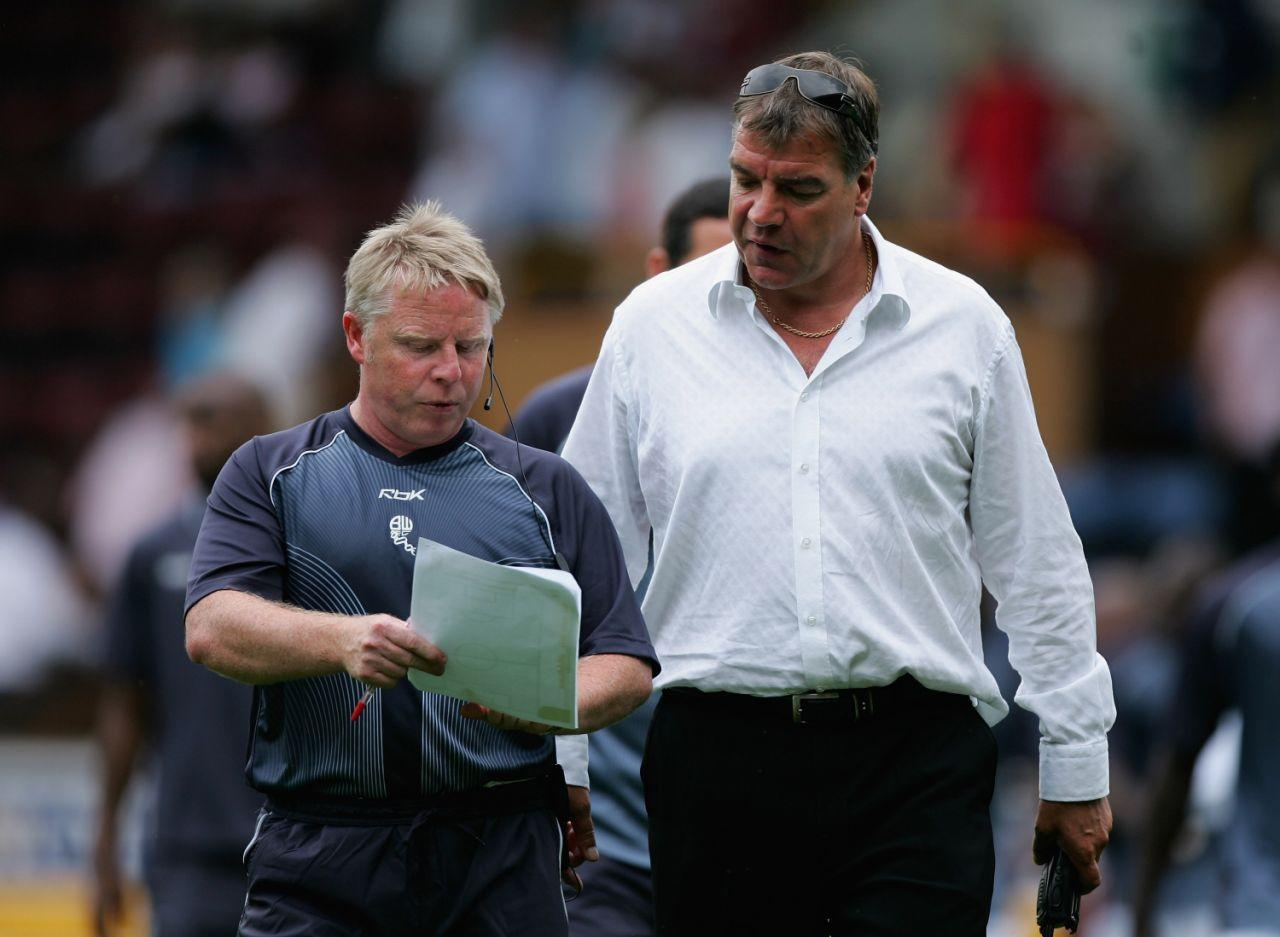 <p>2006: Big Sam, little Sam – With Sammy Lee as manager of Bolton </p>