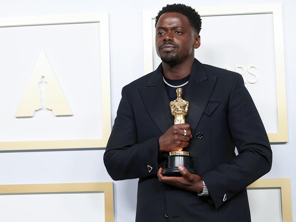 <p>Daniel Kaluuya responds to Oscars journalist who mistook him for Leslie Odom Jr</p> (Getty Images)
