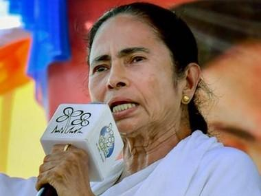 TMC youth wing leaders to visit 100 West Bengal villages to publicize Mamata Banerjee's 'Didi Ke Bolo' initiative; BJP dubs move copy of PM's 'Chai pe Charcha' campaign
