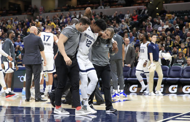 """<a class=""""link rapid-noclick-resp"""" href=""""/nba/players/6164/"""" data-ylk=""""slk:Ja Morant"""">Ja Morant</a> returned after leaving the court after a scary fall in the third quarter against the <a class=""""link rapid-noclick-resp"""" href=""""/nba/teams/indiana/"""" data-ylk=""""slk:Pacers"""">Pacers</a>. (Andy Lyons/Getty Images)"""