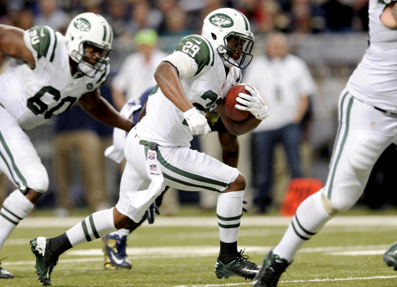 New York Jets running back Bilal Powell heads for the end zone on a 5-yard touchdown run during the fourth quarter of an NFL football game against the St. Louis Rams, Sunday, Nov. 18, 2012, in St. Louis. (AP Photo/L.G. Patterson)