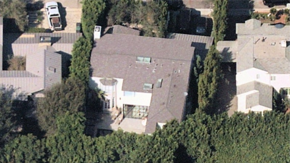Home placed on the market by Justin Bieber viewed from above