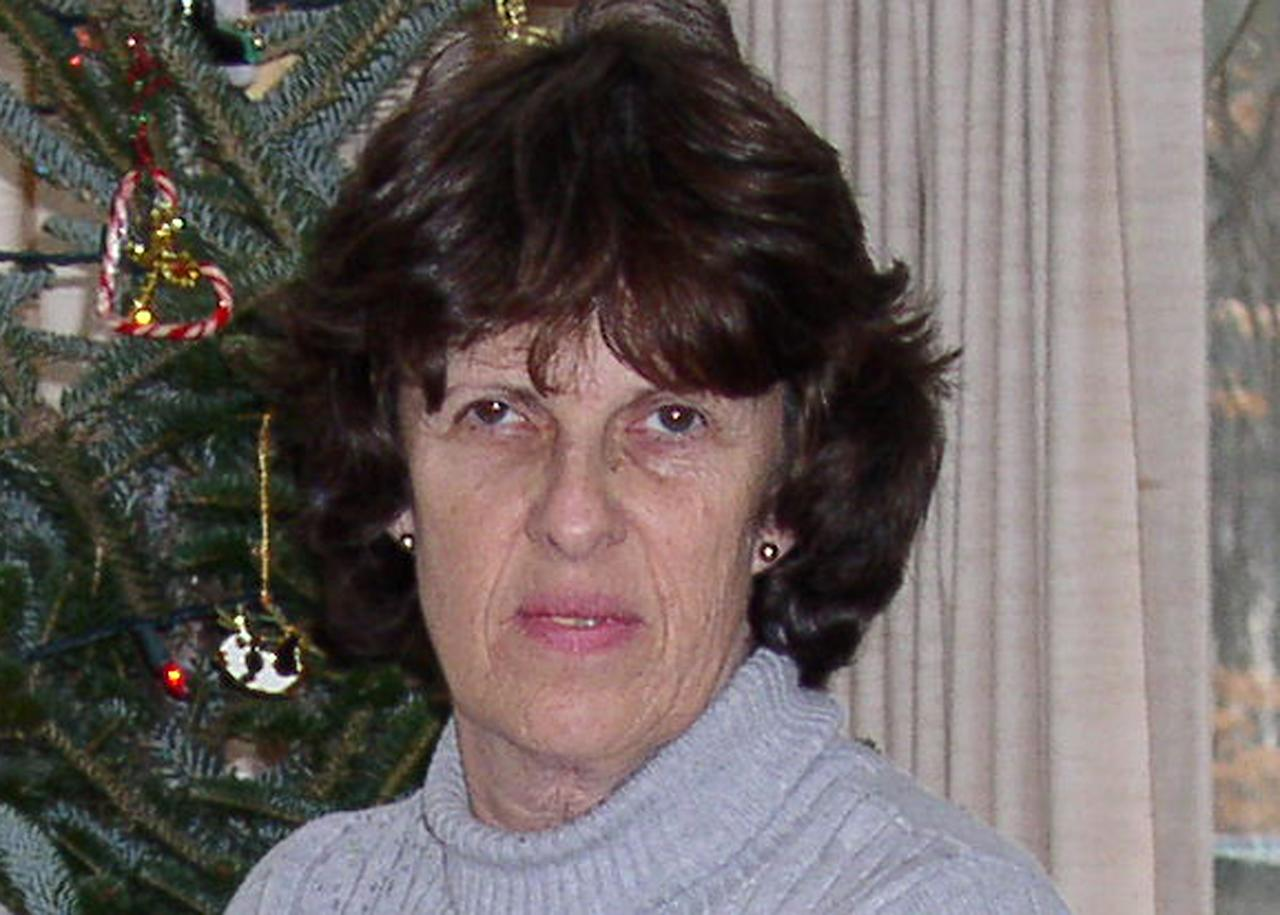 ADDS DATE OF PHOTO - This Dec. 26, 2006 photo provided by her husband, Douglass Gaarde, shows Kathy Gaarde, one of the victims of the Sept. 16, 2013 shooting at the Washington Navy Yard. Gaarde, 63, of Woodbridge, Va., was a financial analyst who supported the organization responsible for the shipyards. (AP Photo/Courtesy Douglass Gaarde)