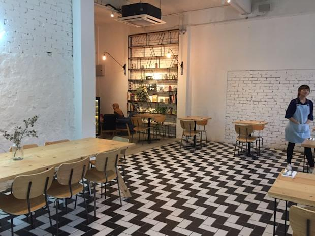 Woo, a new brunch place along Jalan Dewan, has nailed the vintage modern look that appeals to the younger generation.