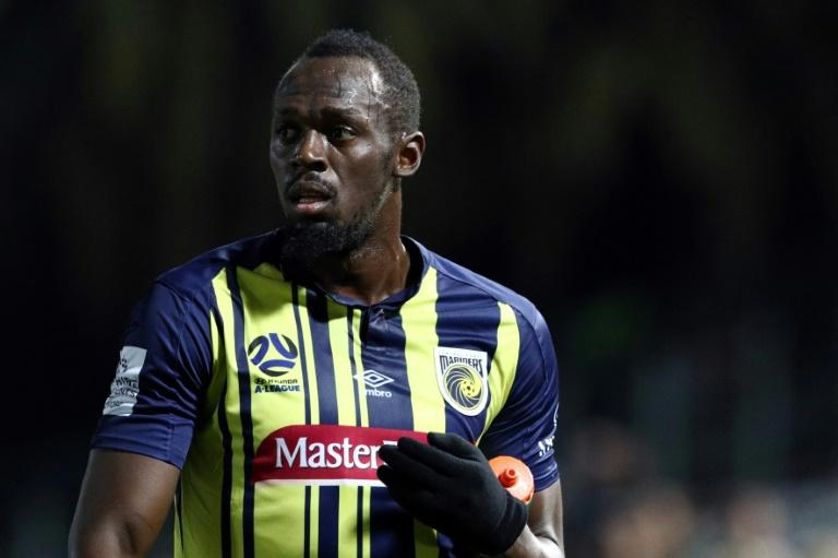 Usain Bolt tired quickly in his football debut for Australian club Central Coast Mariners