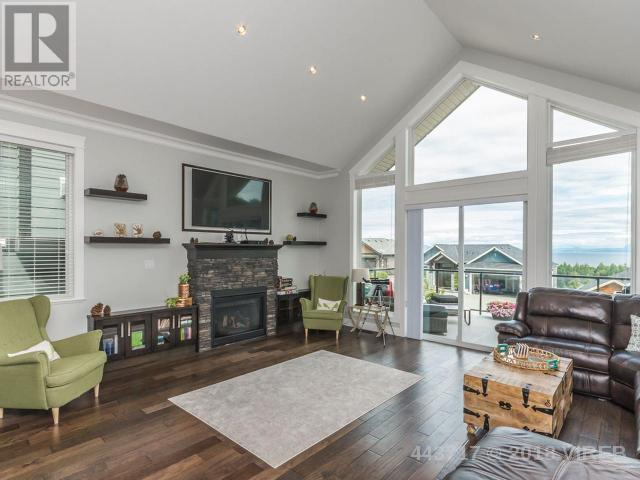 "<p><a rel=""nofollow"" href=""https://www.zoocasa.com/nanaimo-bc-real-estate/5473184-4535-laguna-way-nanaimo-bc-v9a0a8-443717"">4535 Laguna Way, Nanaimo, B.C.</a><br />This 3,450-square foot home offers impressibe views of the mountains and the Pacific Ocean.<br />(Photo: Zoocasa) </p>"