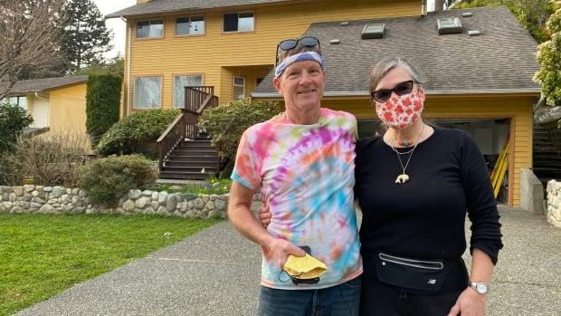 Vancouverites Ean Jackson and Sibylle Tinsel recently sold their home and hoped to downsize to a smaller town, but were surprised by the lack of inventory and prices in a hot market.