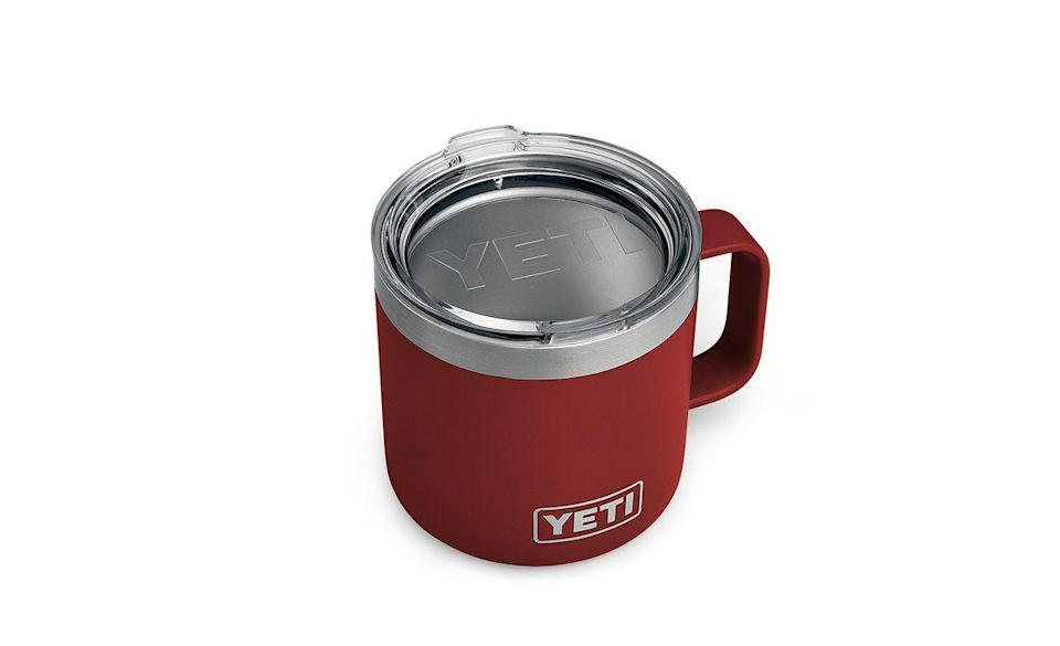 "<p><strong>YETI</strong></p><p>yeti.com</p><p><strong>$24.99</strong></p><p><a href=""https://go.redirectingat.com?id=74968X1596630&url=https%3A%2F%2Fwww.yeti.com%2Fen_US%2Fdrinkware%2Frambler-14-oz-mug%2F21071300058.html&sref=https%3A%2F%2Fwww.delish.com%2Ffood-news%2Fg35269879%2Fyeti-tumbler-cup-sale-january-2021%2F"" rel=""nofollow noopener"" target=""_blank"" data-ylk=""slk:Shop Now"" class=""link rapid-noclick-resp"">Shop Now</a></p><p>The 14 ounce Rambler is specially designed to be one of the most durable camp cups out there. it's insulated in a way that keeps whatever is inside either ice cold or nice and warm, so it's a good option for beverages like coffee and foods like chili.</p>"
