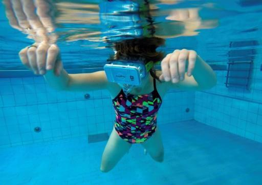 <p>Swimming with dolphins in virtual reality to aid disabled</p>
