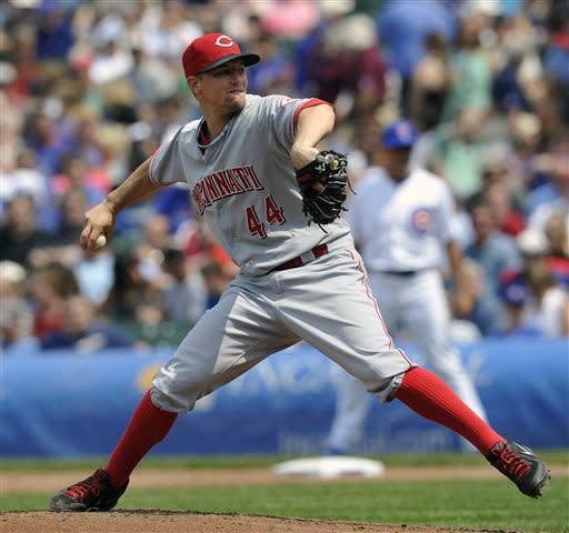 Cincinnati Reds' Mike Leake pitches against the Chicago Cubs during the fifth inning of a baseball game on Wednesday, June 12, 2013, in Chicago. (AP Photo/Jim Prisching)