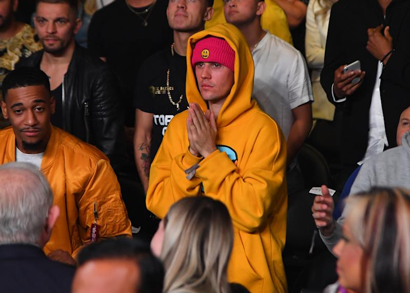 LOS ANGELES, CA - NOVEMBER 09: Justin Bieber attends the fight between KSI and Logan Paul at Staples Center on November 9, 2019 in Los Angeles, California. KSI won by decision. (Photo by Jayne Kamin-Oncea/Getty Images)