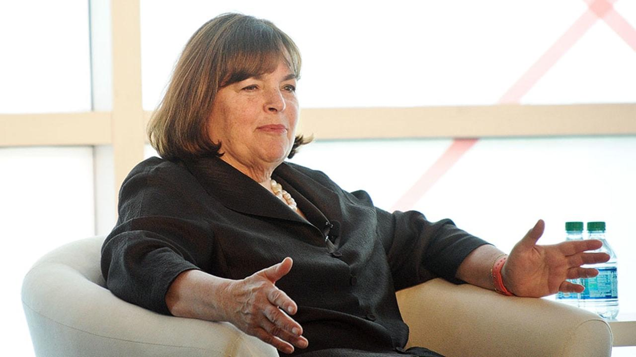 Ina Garten, a.k.a.theBarefoot Contessa, has a cult-like following  especially for dishes like her legendary roast chicken(mmm). As obsessed as we are with her food, we're currently fantasizing about her cozy Parisian-inspired Upper East Side co-op, which is now on the market for a cool $2 million.Curious where theoh-so-fabulous Contessa's been cookingprivately all this time? Take a peek, ahead.