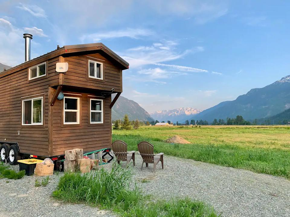Cosy Tiny House in Beautiful Pemberton Meadows. Image via Airbnb