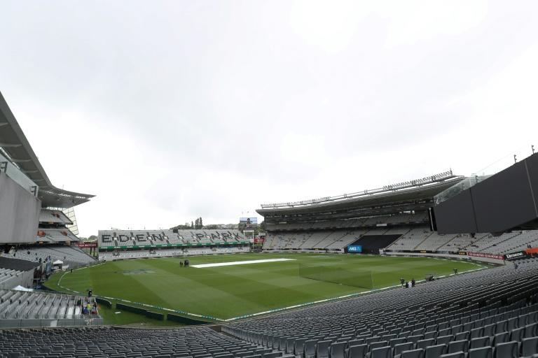 Rain falls prior to the start of the 5th Twenty20 cricket match between New Zealand and England at Eden Park in Auckland on November 10, 2019