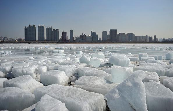 Large ice floes floating on the Songhua River on March 20, 2018 in Harbin, China. Amazing scenery as an Antarctic glacier, attracts many residents and tourists. (Photo by Tao Zhang/Getty Images)