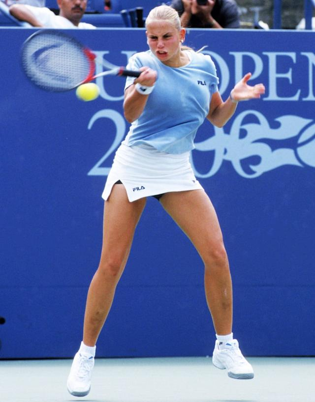 Jelena Dokic with bruised legs in 2000 - GETTY IMAGES