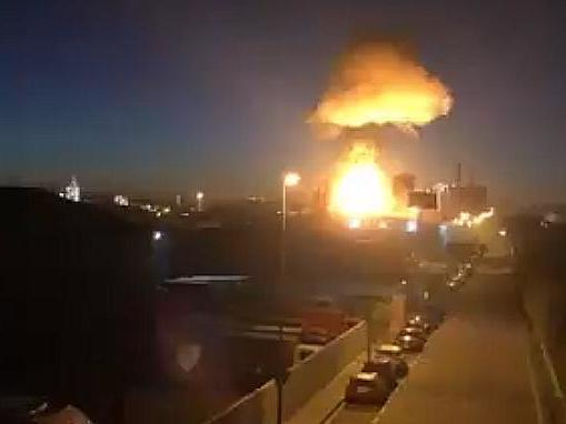 Video footage captured a large fireball as the chemical tank exploded (VilaWeb/Twitter)