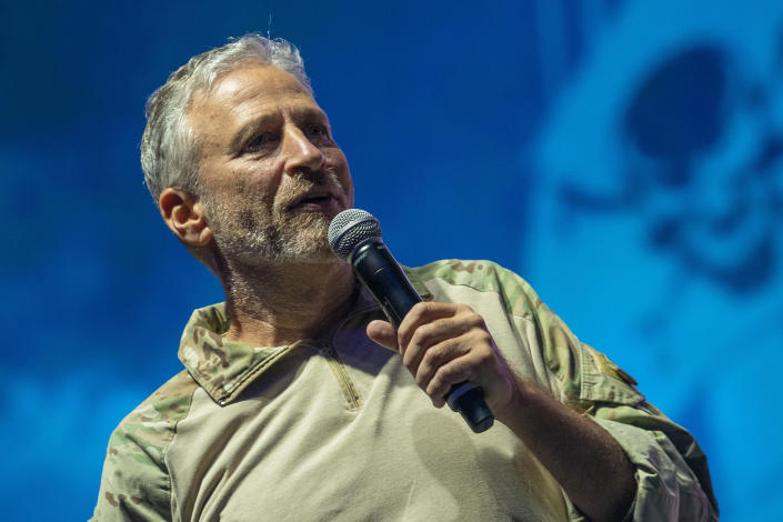 Comedian Jon Stewart delivers remarks at the opening ceremony of the Department of Defense Warrior Games, Tampa, Fla., on Saturday. (DoD photo by Lisa Ferdinando)