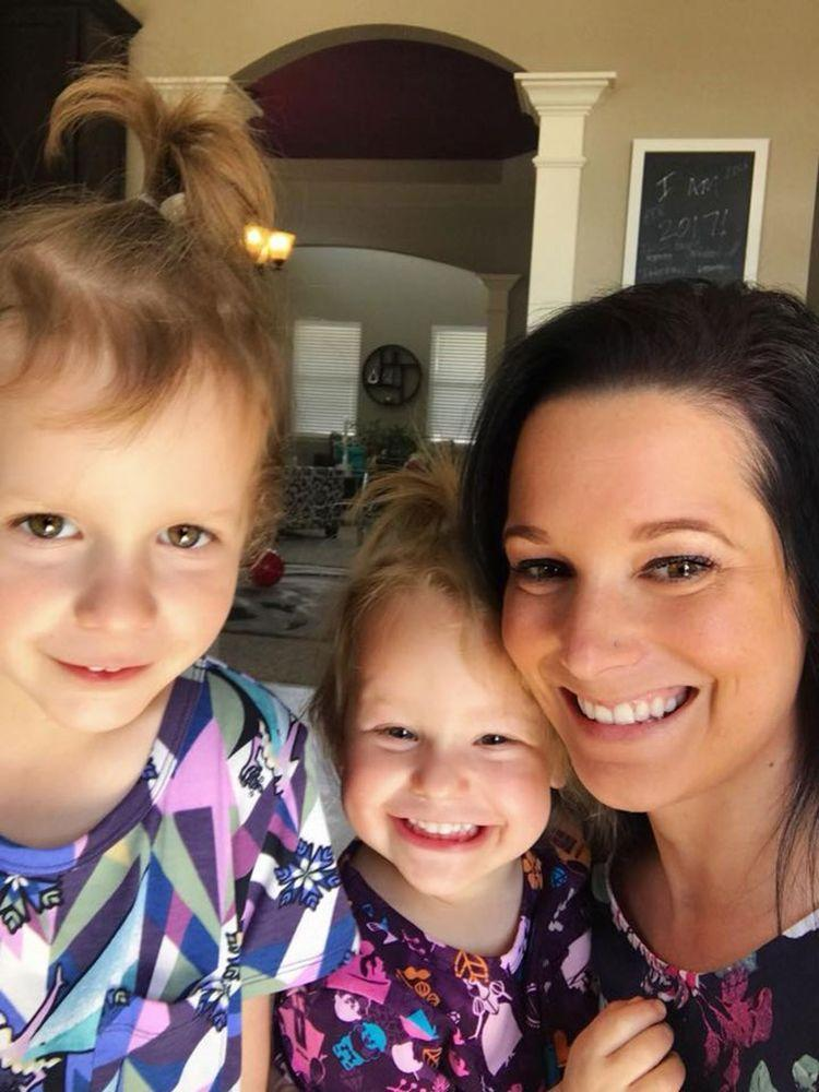 Shanann Watts (right) and her daughters