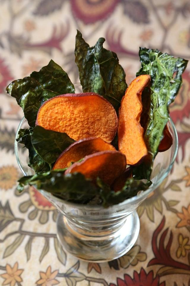 "<p><strong>Get the recipe:</strong> <a href=""https://www.popsugar.com/food/Baked-Kale-Sweet-Potato-Chips-Recipe-32948565"" class=""ga-track"" data-ga-category=""Related"" data-ga-label=""https://www.popsugar.com/food/Baked-Kale-Sweet-Potato-Chips-Recipe-32948565"" data-ga-action=""In-Line Links"">baked kale and sweet potato chips</a>  </p>"