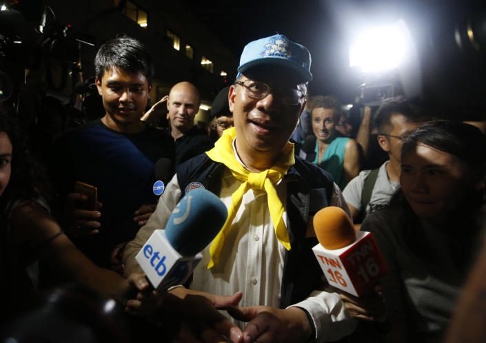 <p>Chiang Rai province acting Gov. Narongsak Osatanakorn, who is leading the ongoing rescue operation of the soccer team and coach trapped in a flooded cave, talks to media during a press conference in Mae Sai, Chiang Rai province, northern Thailand, Tuesday, July 10, 2018. (Photo: Sakchai Lalit/AP) </p>